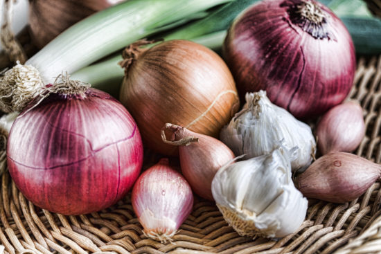 Freshpoint What S The Difference Between A Shallot And An Onion