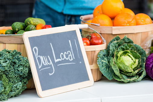freshpoint-produce-buying -local-sign